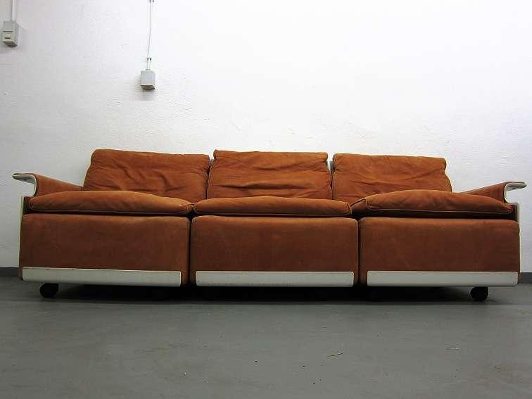 dieter rams vitsoe dreisitzer sofa in wildleder 60er. Black Bedroom Furniture Sets. Home Design Ideas